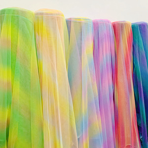 Image 5 - 5yards/lot Gradiente Arcobaleno Tulle Tessuto di Maglia per il Vestito Da Partito Panno Netto Tissu Morbido Pettiskirt Velo Abito di Sfera tutu Organza Tessuto