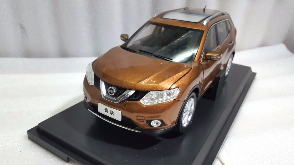 1:18 Diecast Model for Nissan X-trail Rogue 2014 Gold SUV Alloy Toy Car Miniature Collection Gifts X Trail Xtrail 1 18 diecast model for isuzu mu x silver suv alloy toy car miniature collection gifts mux mu x