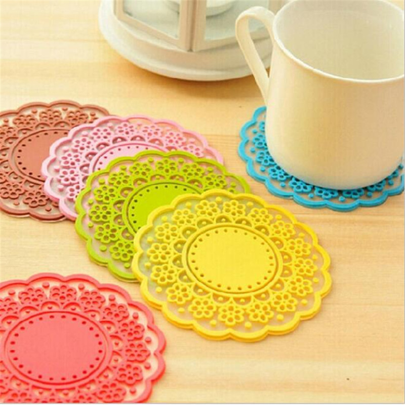 1pcs colorful round non slip heat resistant mat coaster cushion placemat pot holder table silicone mat kitchen accessories - Kitchen Table Cushions