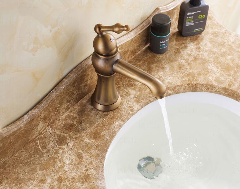 Hot koop antieke bronzen afwerking draaibare messing badkamer