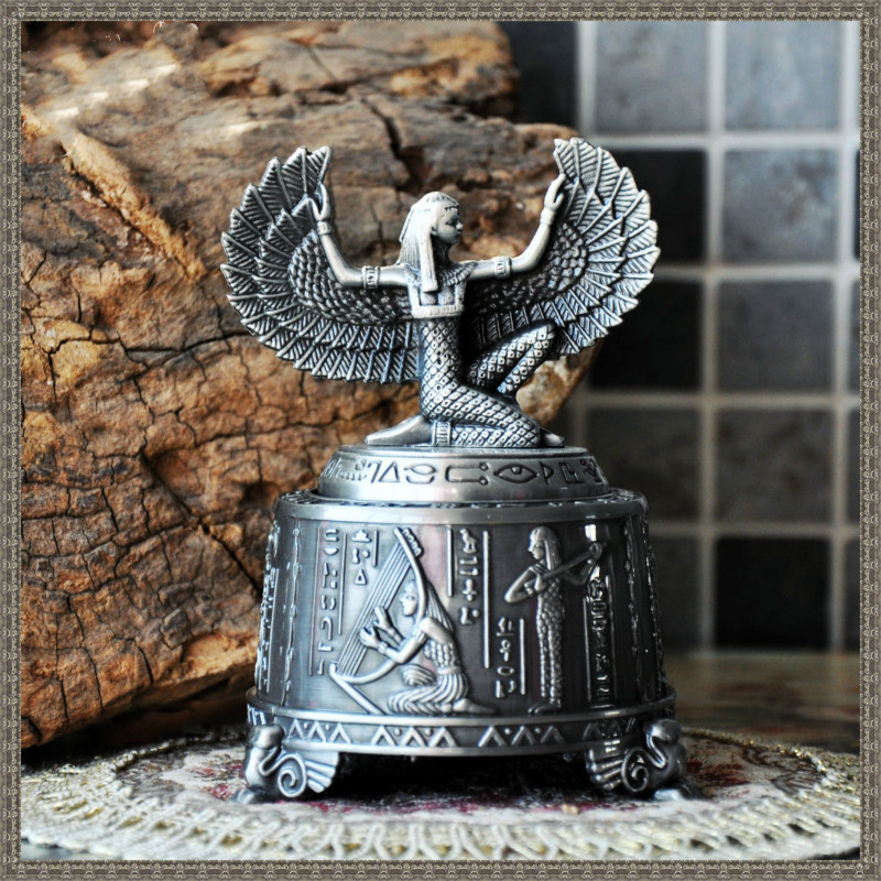 Classical European Metal Music Box Lovers Birthday Gift Home Decor Fairy Figurine Room Decoration
