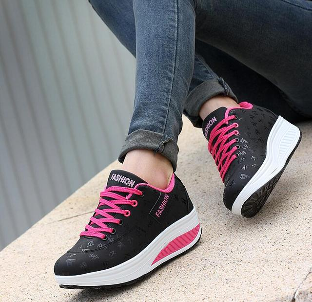 Women's Breathable Waterproof Sneaker
