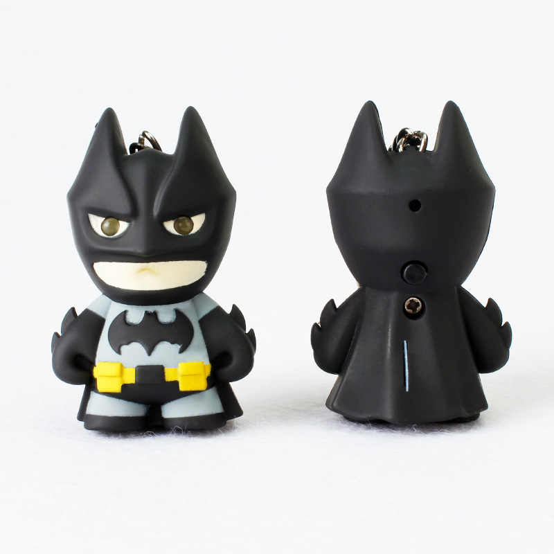1 pz 5.4 cm Mini Ha Condotto La Luce del Flash Occhio Luminoso Batman Pvc Action Figure Toy Film di Batman Suono Keychain Collection brinquedos G