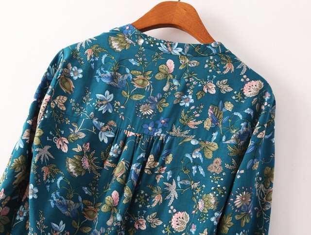 Long Sleeve Floral V Neck Blouses
