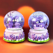 Hot sale spin snow crystal ball music box home ornaments romantic lavender couple music crystal ball gifts