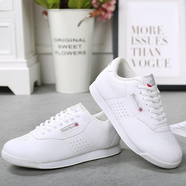 3e63398f2fd4c Nouveauté baskets enfants doux microfibre moderne Jazz danse chaussures  blanc compétitif aérobie chaussures taille 28-