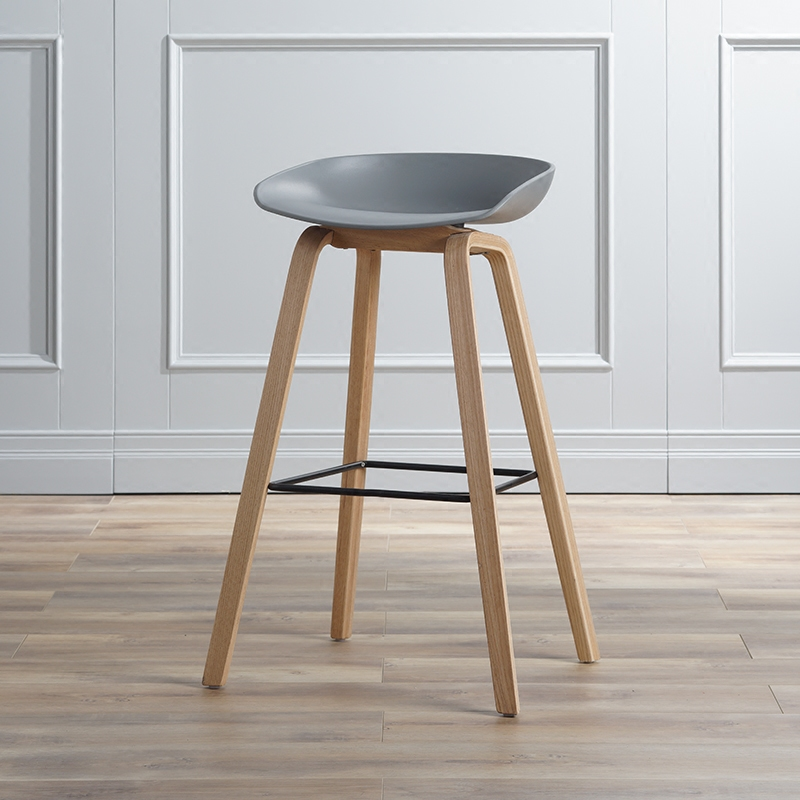 Contemporary And Contracted Design Solid Wood PP Bar Chair Northern Wind Fashion Creative Personality  Counter Stool(China)