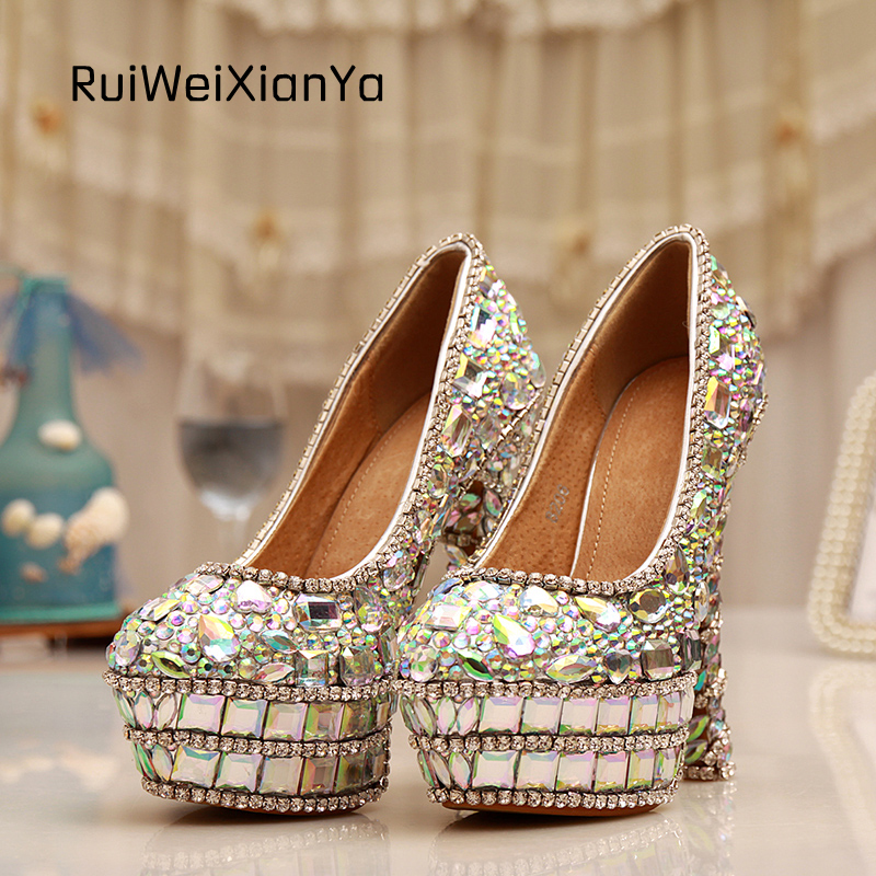 Здесь можно купить  2017 New Fashion Zapatos Mujer Single Shoes Woman Pumps High Heels Colours Luxury Crystal Wedding Shoes for Bridal Plus Size 2017 New Fashion Zapatos Mujer Single Shoes Woman Pumps High Heels Colours Luxury Crystal Wedding Shoes for Bridal Plus Size Обувь