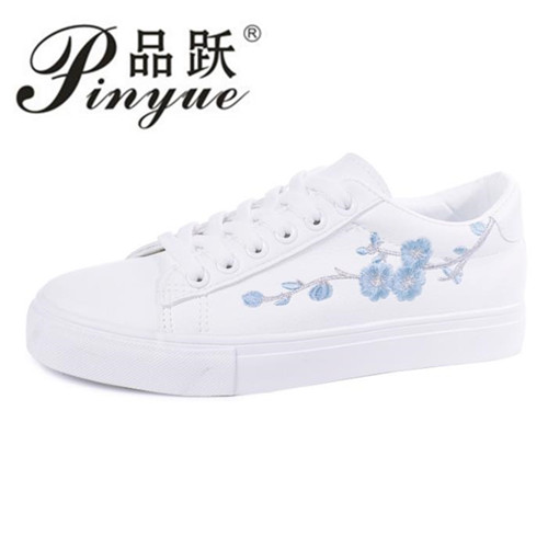 Embroidery Flowers Moccasins Women White shoes Female Soft Breathable Casual Shoes PU Leather Students Lace-Up Flat shoes Woman cheap hot women shoes 2018 summer women flat white shoes comfortable breathable super soft pu leather lace ladies casual shoes