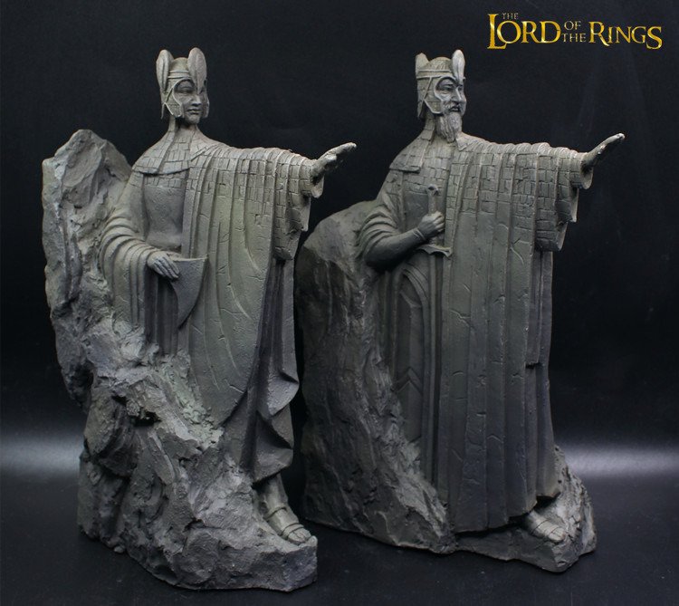The Lord of the Rings Gate of Gondor Argonath Statue Bookend Desk Decoration