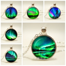 Green Natural Northern Lights Photo Jewelry Necklace Round Glass Cabochon Dome Metal Handmade Fashion Accessories Pendant Gift