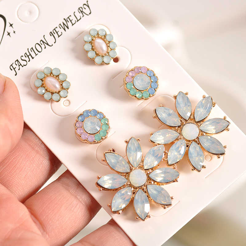 Newfashionable gorgeous women's jewelry girl's birthday party beautiful white powder green ear nail suit earring agent shipping