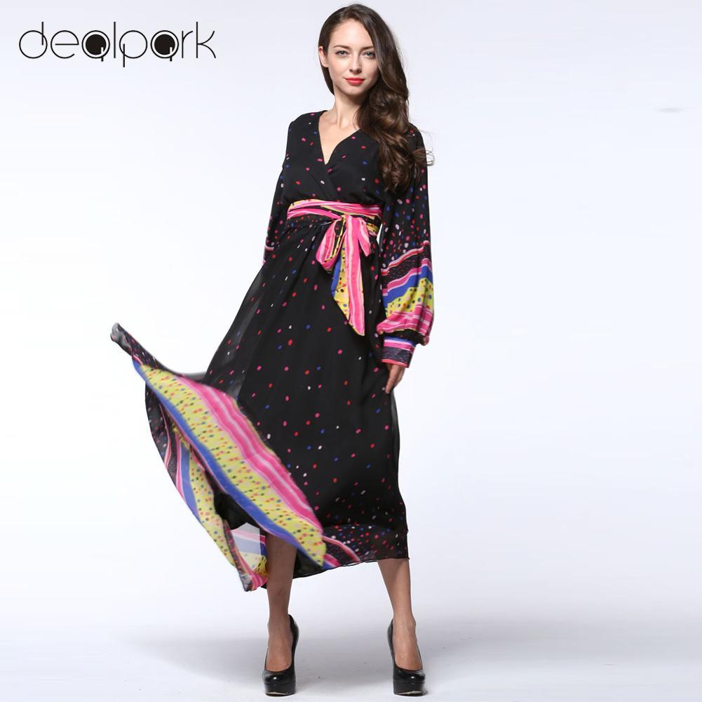 Длинное платье с рукавами в горошек