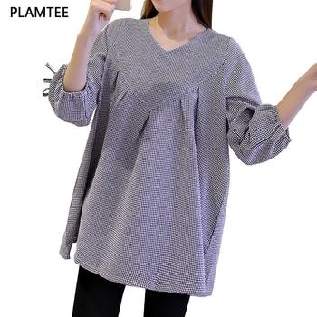 d9c12e53c De moda con cuello en V De cuadros camisa De mangas tres cuartos blusa para  las mujeres embarazadas 2017 verano Plus tamaño Blusas De Maternidad