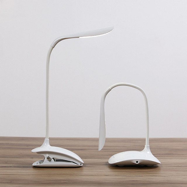 Новые СВЕТОДИОДНЫЕ настольные лампы Гибкий Зажим стиль настольная лампа для чтения света АБС-пластик USB аккумуляторная стол светодиодная лампа 12 СМ * 10 СМ * 36 СМ
