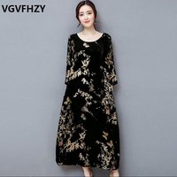Women dress new 2018 autumn and winter black gold velvet dress High quality plus size M 4XL Loose print long Dress LY773