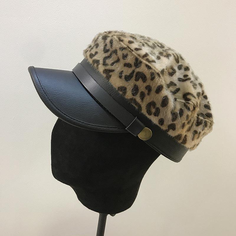 Fibonacci 2018 nueva piel de imitación de cuero sombrero militar tapa  estampado de leopardo Sexy moda Otoño Invierno cinturón superior plana  mujeres del ... bb6ce988275