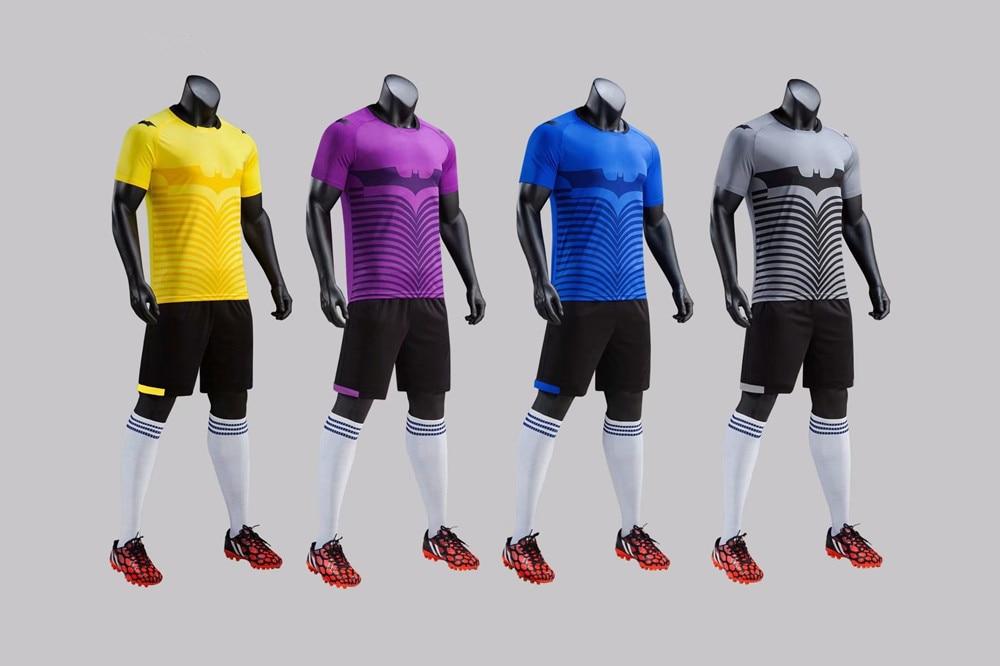 Uniforme de fútbol Jersey hombre y niños 2019 traje 18 19 adulto ... 65d9bd3839095