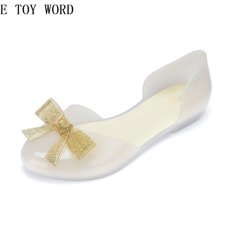 In the summer of 2018 the new bow round head han edition fashion leisure joker sandals for womens shoes