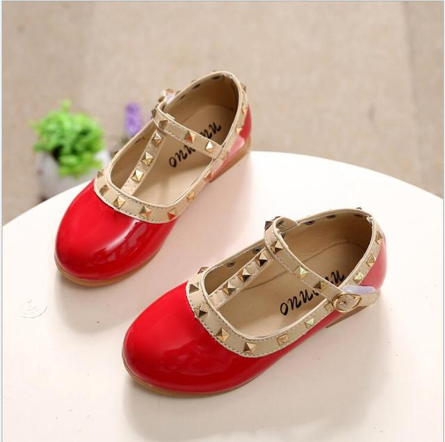 Children Shoes Princess Girls Shoes 2017 Hot Sale Kids Sneakers Patent  Leather Fashion Girls Flat Rivet 9776c06b5