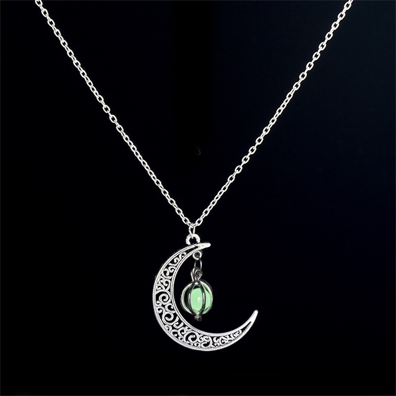 Meirenpeizi Necklaces & Pendants Fashion Sailor Moon Necklace Stone Glow In The Dark  Half Crescent Moon Necklace for Halloween (5)