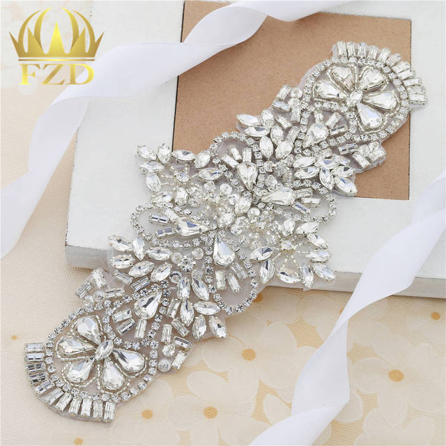 (30pieces) Wholesale Handmade Hot Fix Strass Sew On Sliver Rhinestone  Applique Designs for Wedding Dress Bridal Wristbands Belts 31077c3df129