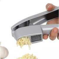 1pcs Multifunction Kitchen Cooking Tools 2 in 1 Stainless Steel Color Garlic Press