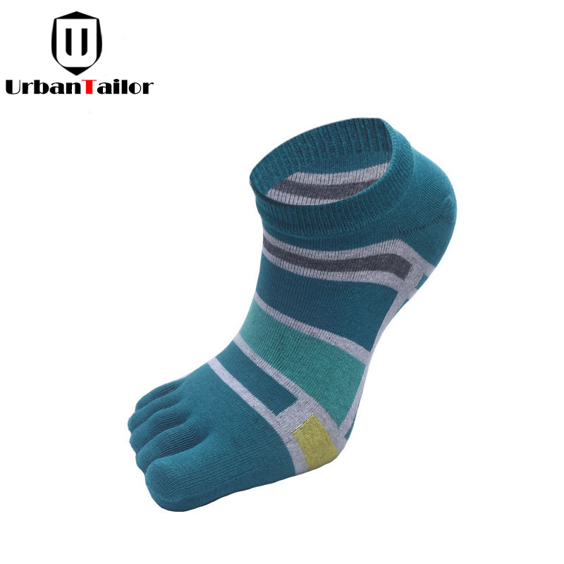 Sale Brand Male Fashion Five Toes Socks Male Bright Color Cotton Funny Socks High Quality Happy Christmas Socks