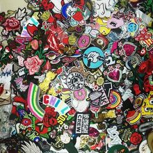 Wholesale 30pcs/lot Random Fashion Patches For Women Lovely Girls Kids Sew Iron on Patch For Clothing Applique Sticker Accessory