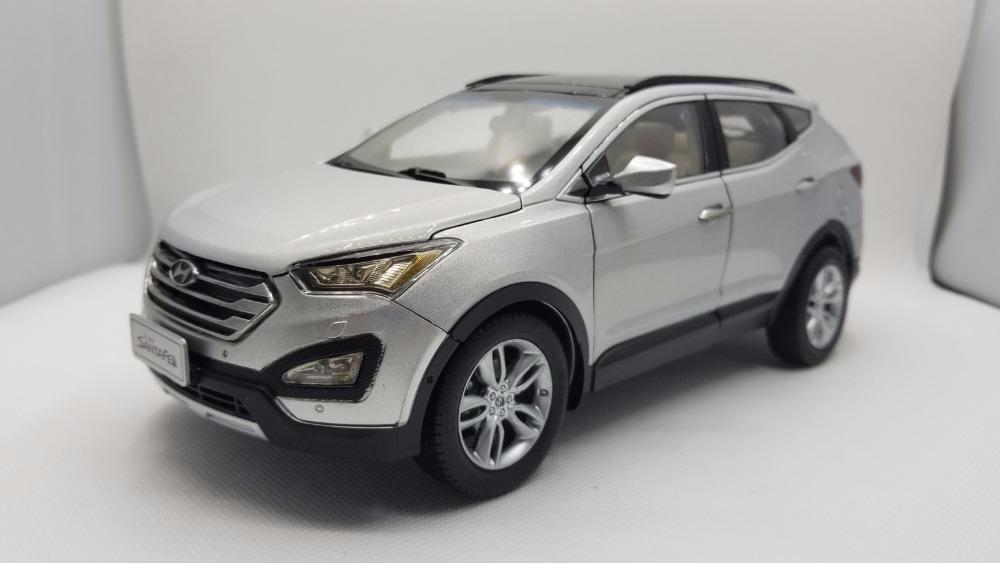1:18 Diecast Model for Hyundai Santafe Beige White Rare Alloy Toy Car Miniature Collection Gifts Santa Fe rare gemini jets 1 72 cessna 172 n53417 sporty s flight school alloy aircraft model collection model