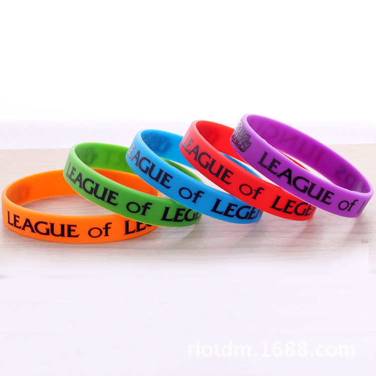 2016 new good quality LOL and DOTA2 plastic leather wristband bracelet  llaveros for men pulseiras de couro braclet men braslet