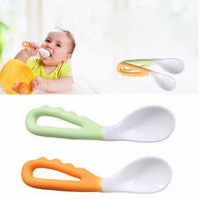 Baby food supplement feeding spoon children's products curved handle easy to grasp children tableware baby diet training(China)