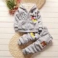 2016 Осень и зима ребенок мальчиков и девочек хлопка детей мультфильм одежда костюм дети плюс бархат утолщение из двух частей набор
