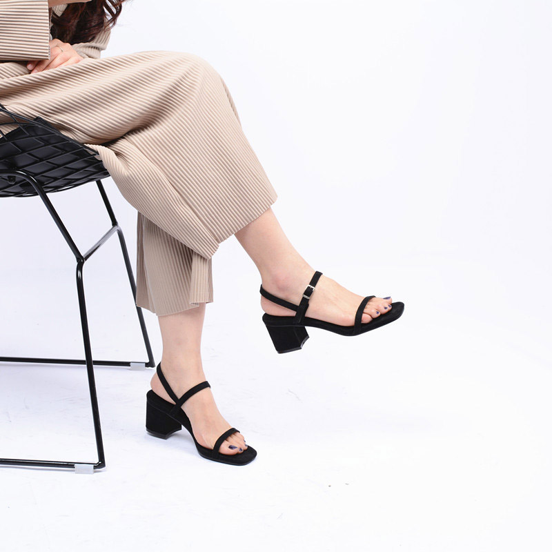 2017 New Arrival Summer Fashion Women Casual Shoe Square Toe Flock Black Lady Leisure Sandals Buckle Soft All Match Peep Toe xiaying smile summer new woman sandals platform women pumps buckle strap high square heel fashion casual flock lady women shoes