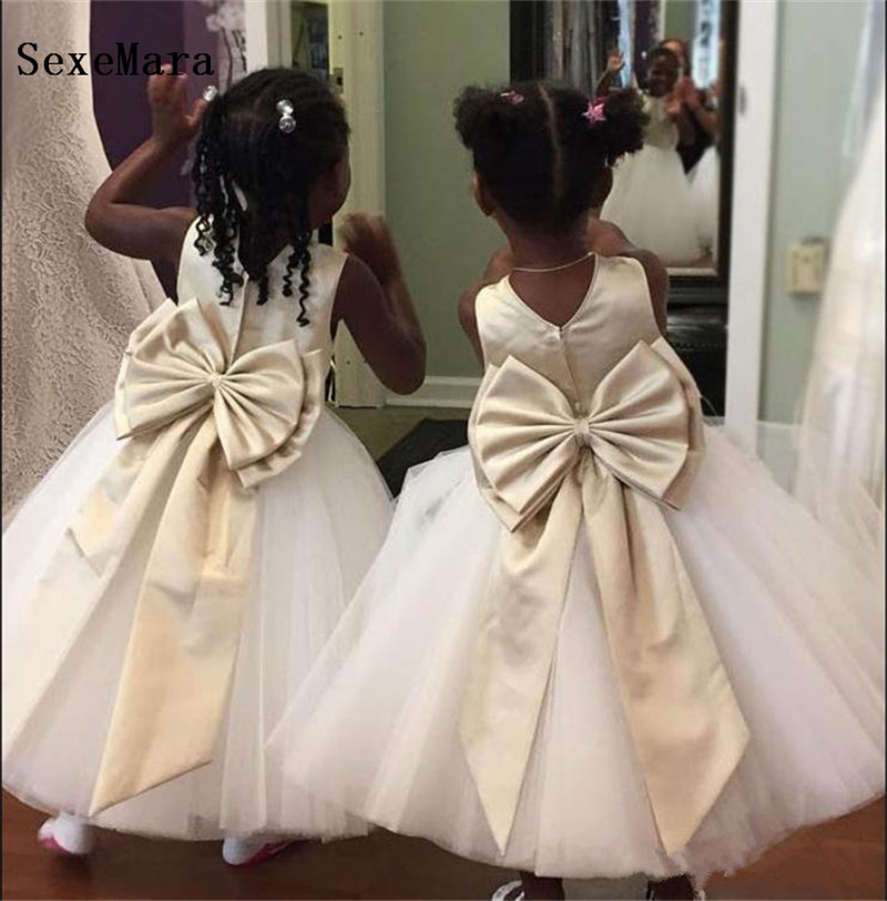 White Ivory Flower Girls Dress for Wedding with Bow O Neck Puffy Tulle Girls Birthday Dress First Communion Gown Size 2-14YWhite Ivory Flower Girls Dress for Wedding with Bow O Neck Puffy Tulle Girls Birthday Dress First Communion Gown Size 2-14Y