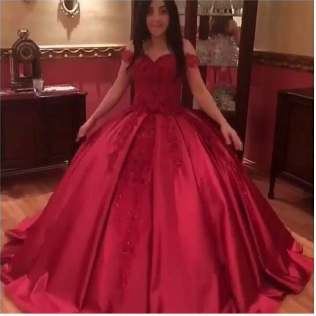 New Arrival Arabic Evening Gowns Long 2019 Sweetheart Neckline Satin Lace Appliques Beading Sequins Puffy Red Evening Dresses
