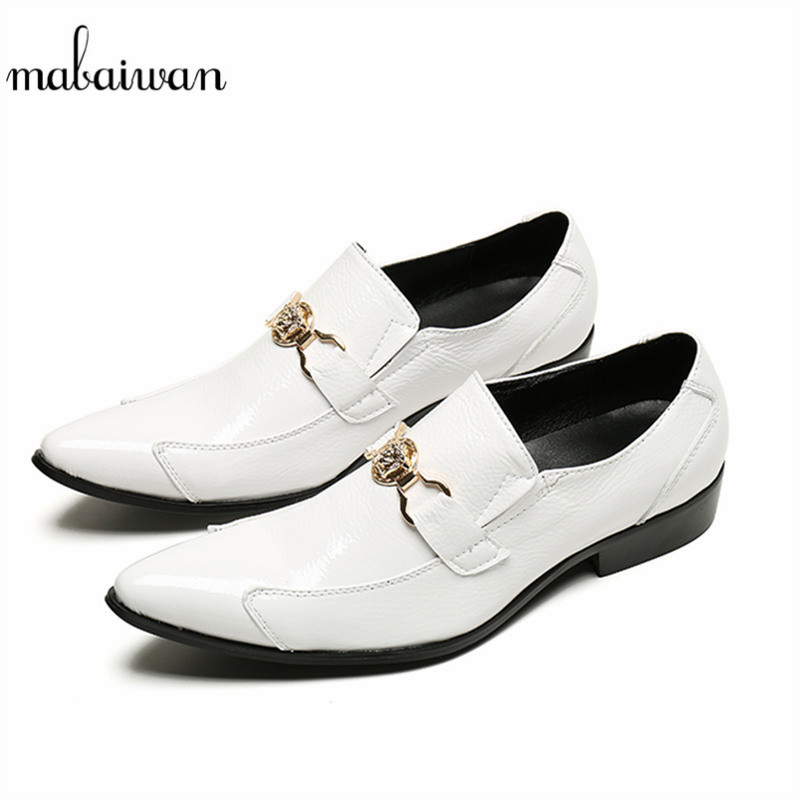 Mabaiwan Leather Fashion Men Casual Shoes White Loafers Handmade Slipper Wedding Dress Shoes Men Pointed Toe Gold Metal Flats 2017 new spring imported leather men s shoes white eather shoes breathable sneaker fashion men casual shoes