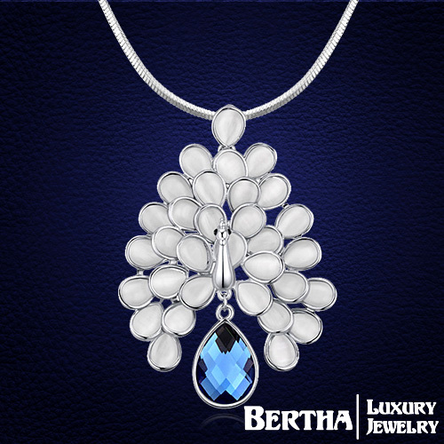 Luxury Fashion Women Long Necklace With Original Swarovski Elements Crystal Peacock Necklaces & Pendants Christmas Gift