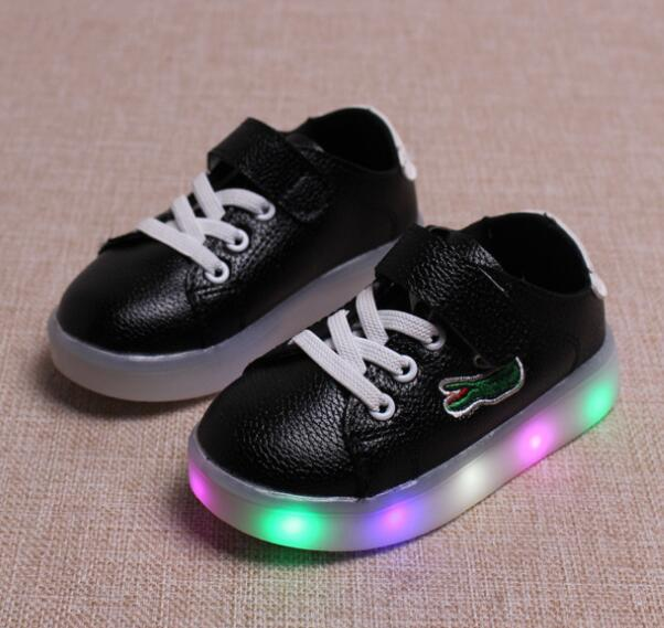 New 2017 famous brand fashion boys girls shoes leather Cool baby glowing  sneakers elegant casual kids aa697d043fc3
