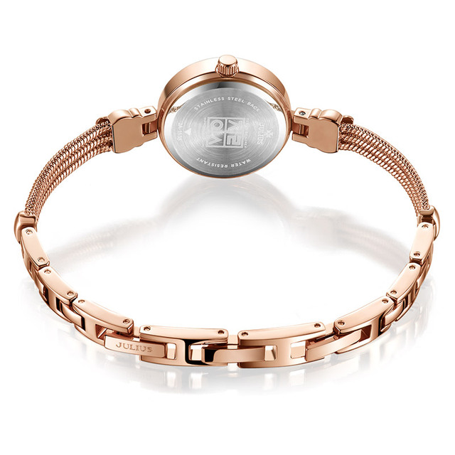 Glamorous Watch With Extra Thin Band