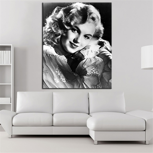 High Quality Marilyn Monroe And The Camera Wall Painting For Home Decor Oil Painting  Wall Art Print Canvas
