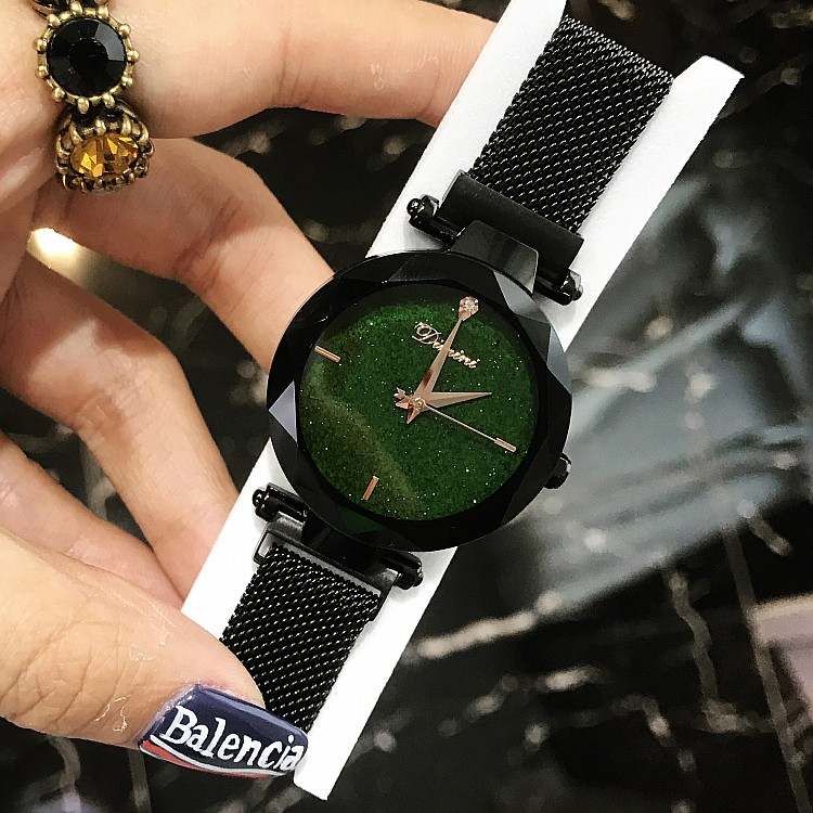 все цены на Women Lady Wrist Watches Luxury Brand Crystal Starry Sky Fashion Woman Clock Female Watches Quartz Ladies Magnet Strap Watches онлайн