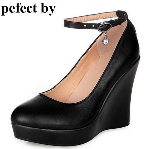 new concept 18f63 03e55 US $43.25 |Genuino zeppa in pelle tacchi alti Zapatos Mujer donne scarpe  delle signore della donna femminile cinturino alla caviglia platform pumps  ...