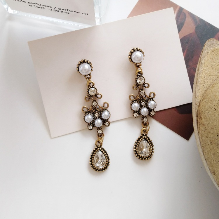 2019 New Fashion Euramerican Palace Baroque Style Pearl Earrings Water Drop Vintage Bridal