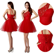 Sexy One Shoulder Short Graduation Dresses Beading 2015 Fashionable Crystal Red Tulle Homecoming Gowns vestidos de fiesta SD230