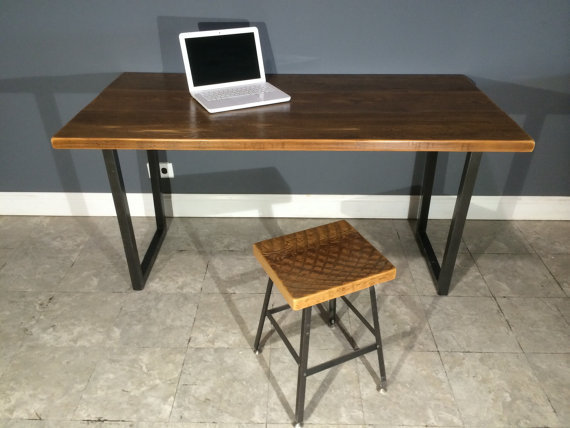 Minimalist modern small apartment to do the old wood desk retro ...