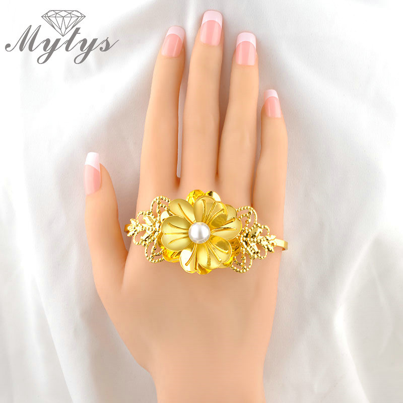 Mytys Fashion GP Flower Palm Bangle handlets Palm Bracelet Jewelry R908