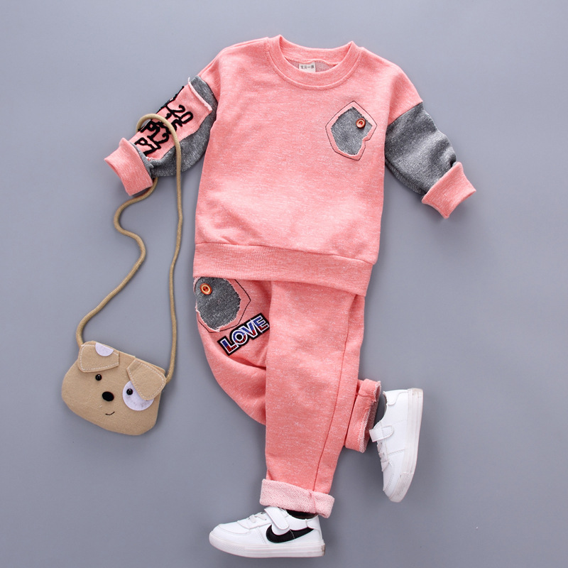 BabyTwo-Piece Suit Cotton Spring 2017 FashionCotton Sweater Set Can Open Two Sets of Crotch Boys and Girls Baby YD178