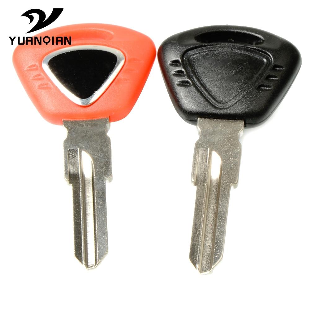 For TRIUMPH 675 STREET TRIPLE R/RX TIGER 1050 1200 800 Bonneville T120  SE/T100/Black Motorcycle Keys Embryo Uncut Keys Rings