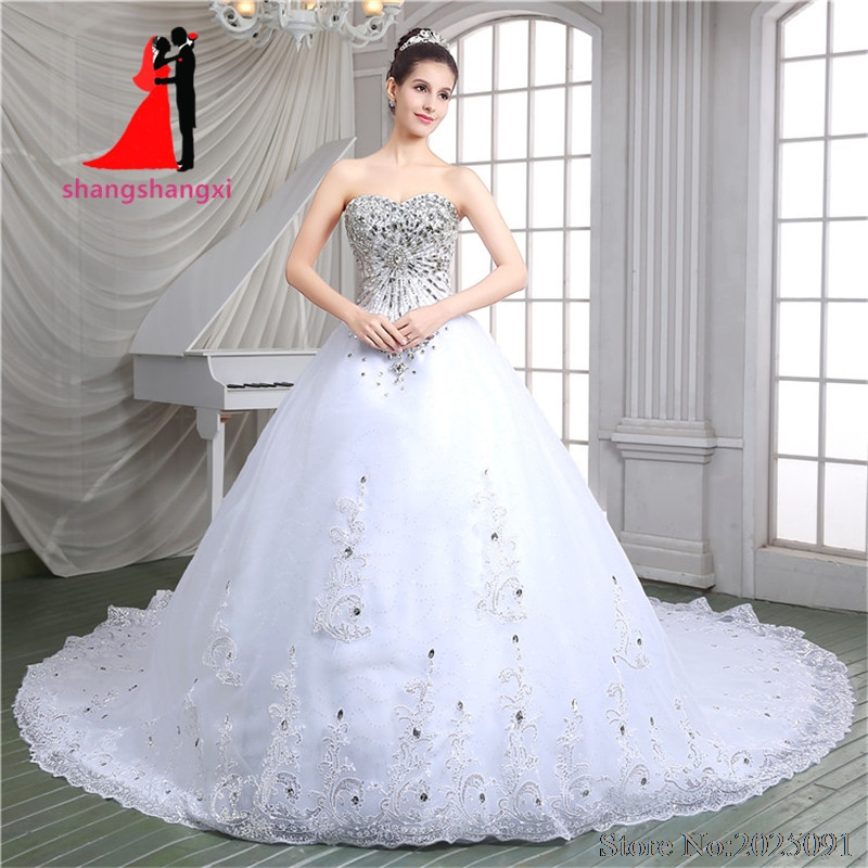 Luxurious White Ball Gown Wedding Dresses 2017 Tulle with Silver Lace Appliques Crystal Wedding Party Dresses